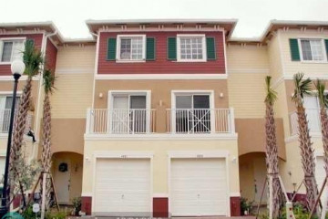 Home for Sale at 4641 SW 75th Way, Davie FL 33314