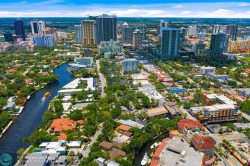 Home for Sale at 1110 SE 4th St, Fort Lauderdale FL 33301