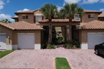 Home for Sale at 8203 NW 128th Ln #18-D, Parkland FL 33076