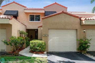 Home for Sale at 580 N University Dr, Plantation FL 33324