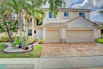 Home for Rent at 3863 Falcon Ridge Cr, Weston FL 33331