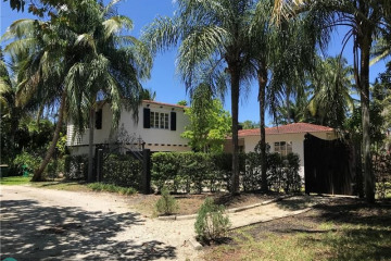 Home for Sale at 2154 Lazy Lane, Wilton Manors FL 33305