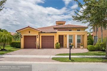Home for Sale at 8119 NW 106th Ln, Parkland FL 33076
