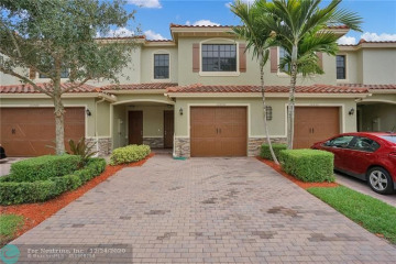 Home for Sale at 10850 NW 73rd Ct, Parkland FL 33076