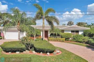 Home for Sale at 2211 NE 32nd St, Lighthouse Point FL 33064