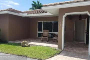 Home for Rent at 3100 NE 51st St, Lighthouse Point FL 33064