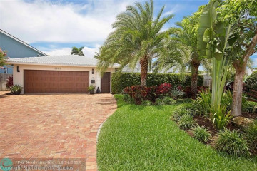 Home for Sale at 2863 NE 34th Ct, Lighthouse Point FL 33064