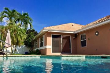 Home for Sale at 5275 Grande Palm Cir, Delray Beach FL 33484