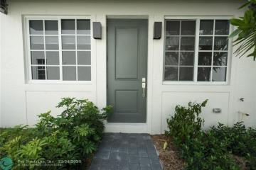 Home for Sale at Pompano Beach Condo/co-op/villa/townhouse, Pompano Beach FL 33060