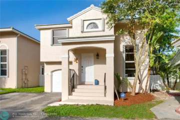 Home for Sale at 9905 NW 9th Ct, Plantation FL 33324