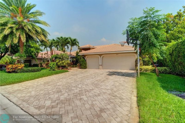 Home for Sale at 6427 NW 99th Ave, Parkland FL 33076