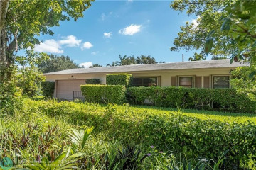 Home for Sale at 2628 NE 26th Ter, Lighthouse Point FL 33064