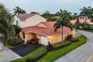 Home for Sale at 1272 Seagrape Cir, Weston FL 33326