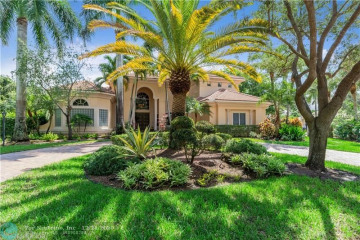 Home for Sale at 10133 NW 66th Dr, Parkland FL 33076