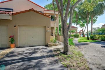 Home for Sale at 568 N University Dr, Plantation FL 33324