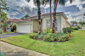 Home for Sale at 9 Gables Blvd, Weston FL 33326