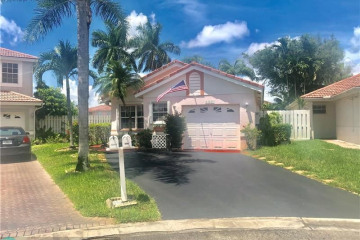 Home for Sale at 13411 NW 5th Pl, Plantation FL 33325