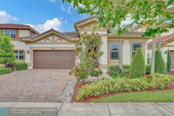 Home for Sale at 8581 Waterside Court, Parkland FL 33076