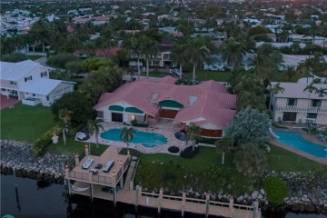 Home for Sale at 4410 NE 31st Ave, Lighthouse Point FL 33064