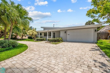 Home for Rent at 3249 NE 28th Ave, Lighthouse Point FL 33064