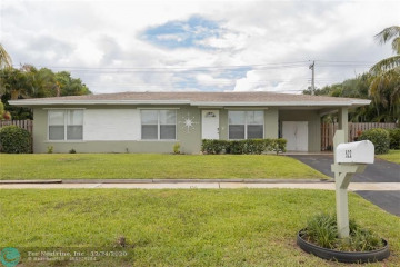 Home for Sale at 522 Heron Dr, Delray Beach FL 33444