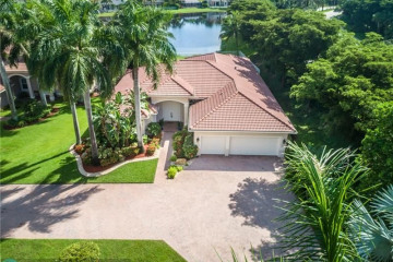 Home for Rent at 1913 Harbor Pointe Cir, Weston FL 33327