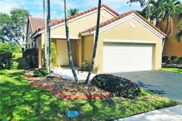 Home for Sale at 1541 Presidio Dr, Weston FL 33327