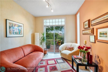 Home for Sale at 11389 Lakeview Dr #8-c, Coral Springs FL 33071