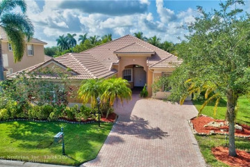Home for Sale at 11222 NW 68th Pl, Parkland FL 33076