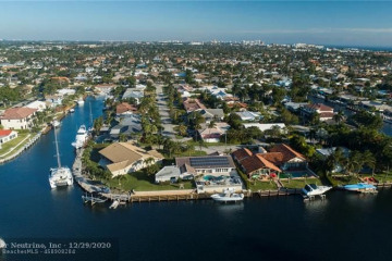 Home for Sale at 2500 NE 44th St, Lighthouse Point FL 33064
