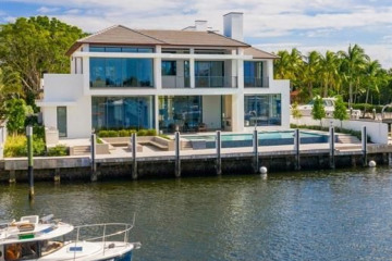 Home for Sale at 1425 E Lake Dr, Fort Lauderdale FL 33316