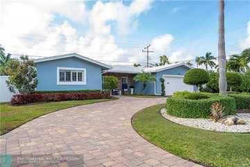 Home for Sale at 3161 NE 28th Ave, Lighthouse Point FL 33064