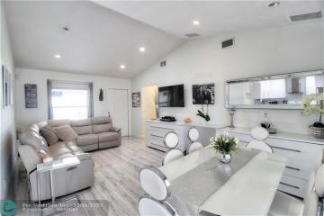 Home for Sale at 18869 Cloud Lake Cir, Boca Raton FL 33496