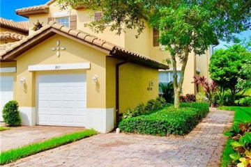 Home for Sale at 8011 NW 128th Ln, Parkland FL 33076