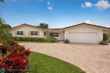 Home for Sale at 2150 NE 34th Ct, Lighthouse Point FL 33064