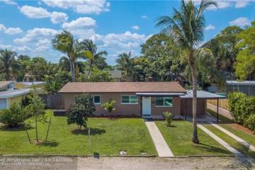 Home for Sale at 427 NE 24th Ave, Pompano Beach FL 33062