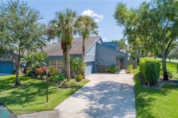 Home for Sale at 6566 Windsor Dr, Parkland FL 33067