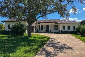 Home for Sale at 15360 SW 31 Ct, Davie FL 33331