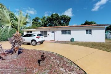 Home for Sale at 1251 NE 206th St, Miami FL 33179