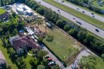Home for Sale at 5740 NW 72nd Way, Parkland FL 33067