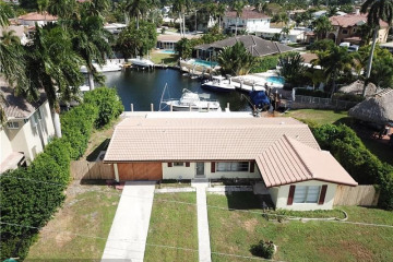 Home for Sale at 4840 NE 27th Ter, Lighthouse Point FL 33064