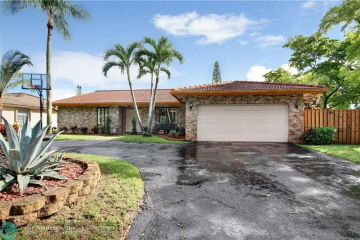 Home for Sale at 11088 NW 17th Pl, Coral Springs FL 33071