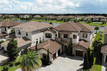 Home for Sale at 10262 Sweet Bay Mnr, Parkland FL 33076