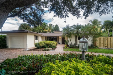 Home for Sale at 4400 NE 27th Ter, Lighthouse Point FL 33064