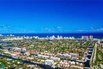 Home for Sale at 83 Royal Palm Dr, Fort Lauderdale FL 33301