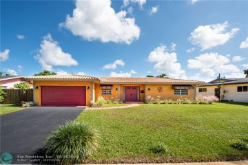 Home for Sale at 1400 NW 70th Way, Plantation FL 33313