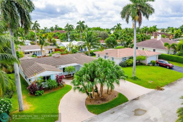 Home for Sale at 2768 NE 31st Ct, Lighthouse Point FL 33064