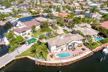 Home for Sale at 2318 NE 29th St, Lighthouse Point FL 33064