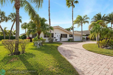 Home for Sale at 2850 NE 52nd Ct, Lighthouse Point FL 33064