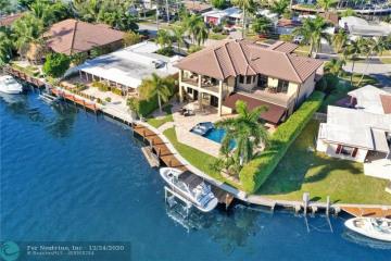 Home for Sale at 360 SE 12th St, Pompano Beach FL 33060